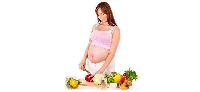 Czy podczas ciąży trzeba jeść za dwoje